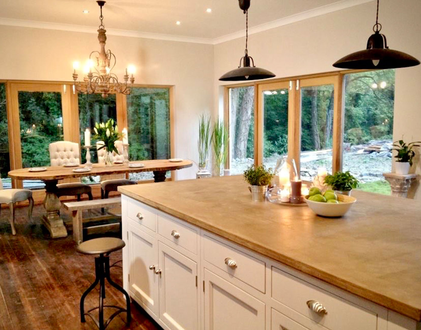 white-farm-kitchen